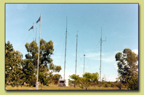 UHF GROUND-AIR COMMUNICATIONS AT 2 CRU TACTICAL CONTROL - DARWIN